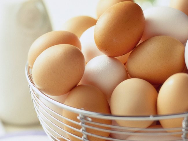 How many Egg whites are safe in a day
